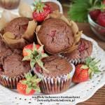 muffinki kakaowe z truskawkami