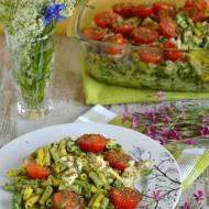 Zapiekanka makaronowa ze szpinakiem, pomidorkami i mozzarellą