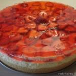 ciasto z kremem i truskawkami :)