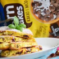 Omlet biszkoptowy z płatkami kukurydzianymi, żurawiną i orzeszkami nerkowca