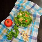 Wzmacniająca sałatka z roszponki i jabłka