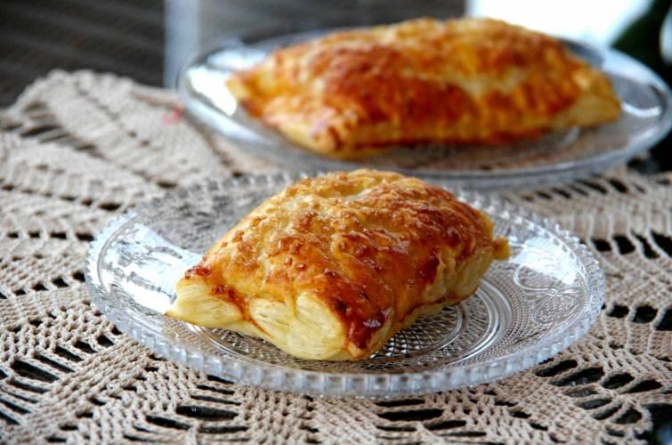 Bułeczki francuskie jabłkowo – gruszkowe z nutką rumu i cukrem trzcinowym