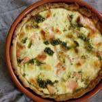 Tarta z łososiem i zielonym pesto