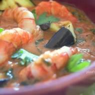 Krewetki w czerwonym curry z bakłażanem