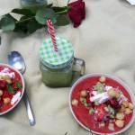 Chłodnik z truskawek i awokado