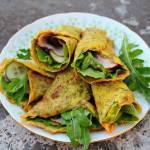 Co jeść zamiast pszennych tortilli? Wiosenne wrapy z cieniutkich omletów.