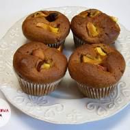 Muffiny z maślanką, kurkumą i nektarynkami