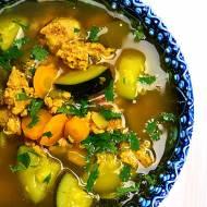 Zupa curry z indykiem i cukinią