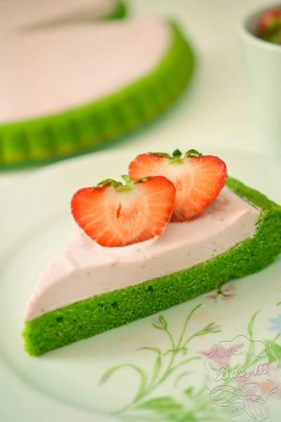 Przepis Na Zielone Ciasto Ze Szpinaku Z Kremem Truskawkowym