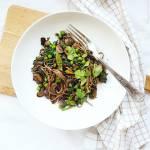 Makaron gryczany ( soba ) z warzywami.
