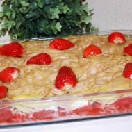 Makaron zapiekany z truskawkami