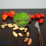 Pesto z liści rzodkiewki z olejem lnianym