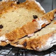 Chleb na sodzie z tropikalnymi bakaliami