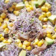 Sałatka z makreli i kiełków jarmużu