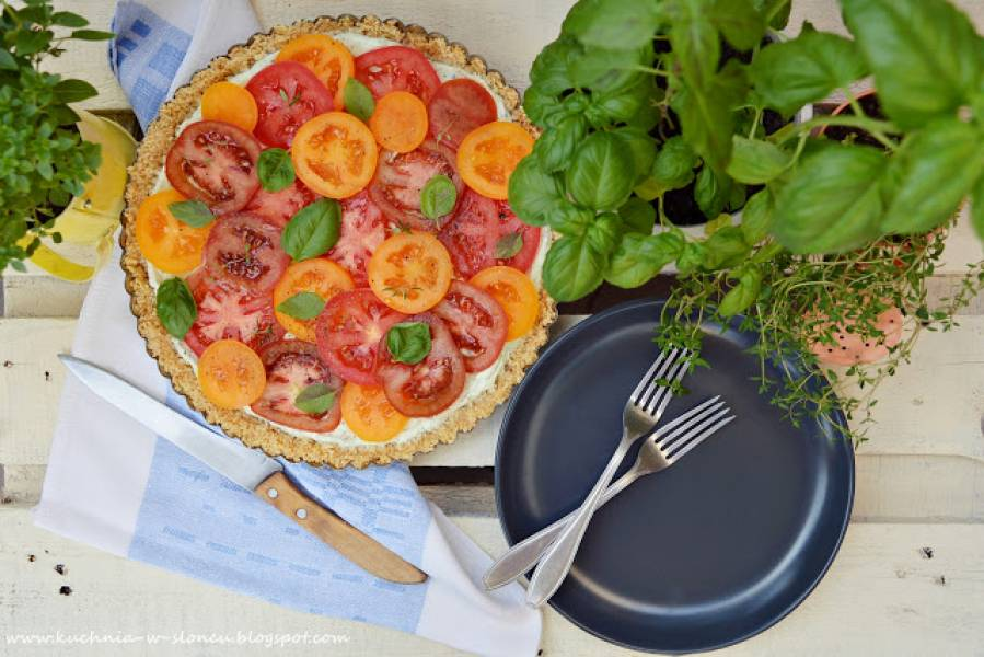 Tarta ziołowo-pomidorowa bez pieczenia