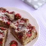 Orkiszowe ciasto razowe z truskawkami (bez cukru)