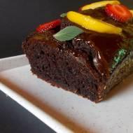 Ciasto czekoladowe bez tłuszczu słodzone daktylami.