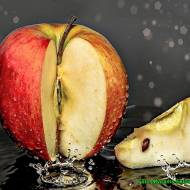 Kompot jabłkowy z nutą cynamonu.