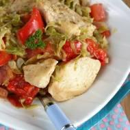 Potrawka z kapustą, papryką i kurczakiem