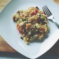 Ryż z warzywami z woka i czerwoną fasolką