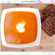 Zupa-krem z pieczonych pomidorów z mozzarellą