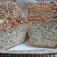Chleb codzienny z ziarnami na krupczatce