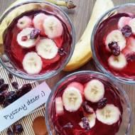 Deser z galaretki i owoców