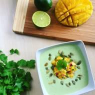 Kremowy chłodnik awokado z salsą z mango