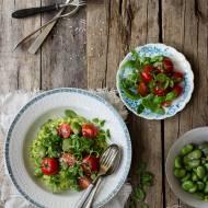 Risotto z bobem, ziołowym pesto i pomidorkami koktajlowymi