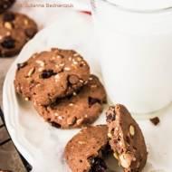 Daktylowe ciasteczka z bakaliami i czekoladą