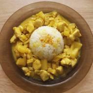 Kurczak curry z ananasem