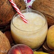 Smoothie bananowo-brzoskwiniowe na wodzie kokosowej