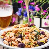 Spaghetti z romesco i kurczakiem