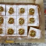 Ciasto morelowe z pistacjami