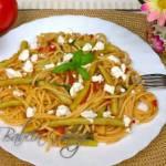 Makaron z fasolką szparagową w sosie pomidorowym - danie bez mięsa