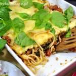 Zapiekanka spaghetti ze szpinakiem i mięsem mielonym
