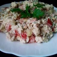 Sałatka z ryżem, ogórkiem i pomidorem