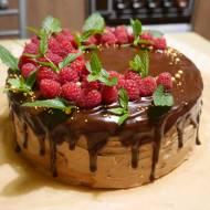 Drip cake (tort czekoladowo-śmietanowo-malinowy)