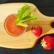 Koktajl arbuzowo-truskawkowo-warzywny dla niemowlaka na upalne dni.