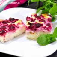 Lekkie ciasto jogurtowe z truskawkami