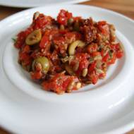 Salsa z pieczonej papryki i suszonych pomidorów