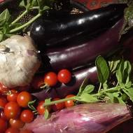 Cyganka: bakłażany duszone z pomidorami, czosnkiem i ziołami.