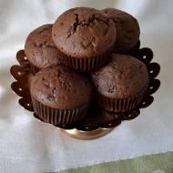 Muffinki czekoladowe z kawałkami czekolady