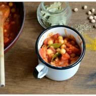 Szybka cieciorka w pomidorach