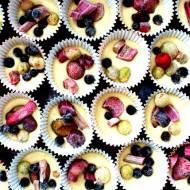 Babeczki z jogurtem i owocami