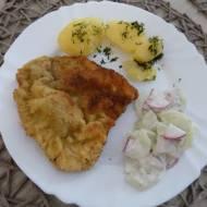 Tradycyjny obiad - schabowe z ziemniakami i mizerią