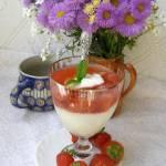 kasza manna z zupą truskawkową z miętą i jabłkiem...