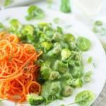 Kurczak w zielonym sosie z marchewkowym spaghetti
