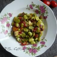 Pożywna sałatka z bobem, pomidorami i awokado