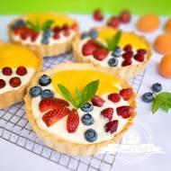 Tartaletki z kremem waniliowym i owocami